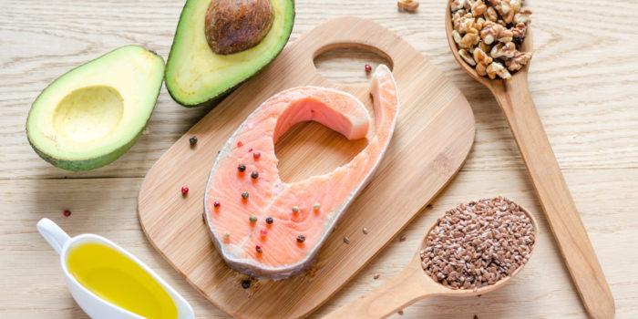 Dieta oparta na tłuszczach i ketogeniczna w sporcie – czy to możliwe