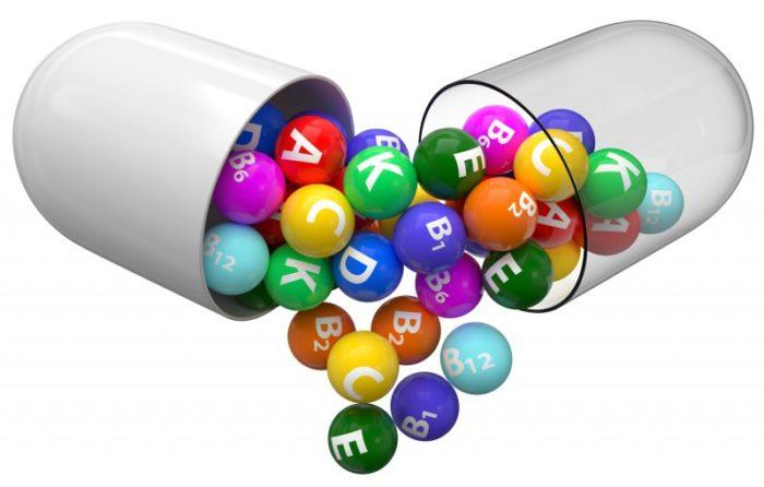 Jak poprawić przyswajalność witamin z diety i suplementów